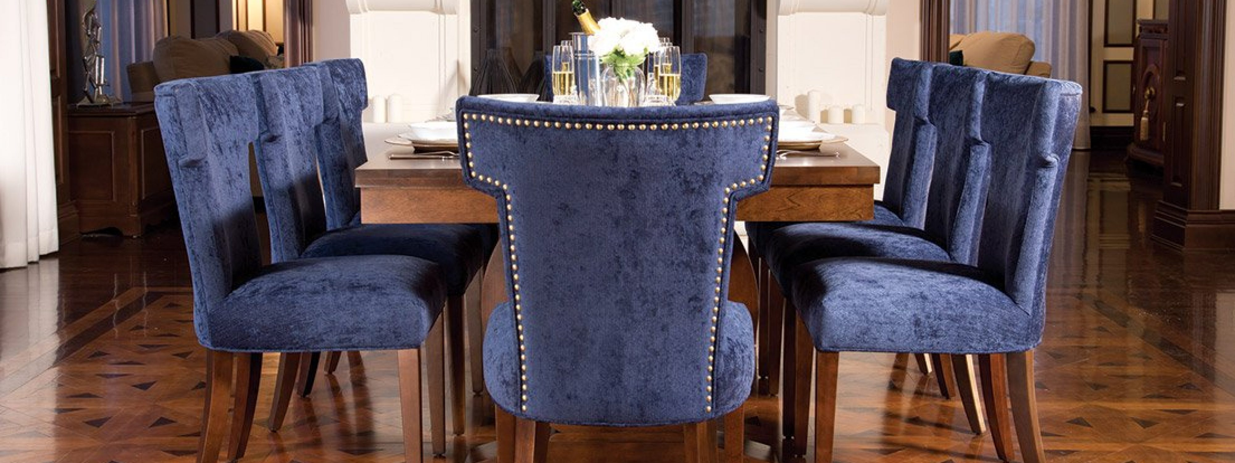 Denali Table & Chairs CB1523 : CB1723 by Bertanie